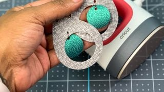 How To Make Fabric Earrings With The EasyPress Mini