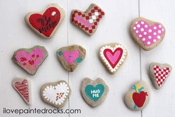 11 Ways to Paint Heart Rocks for Valentines Day