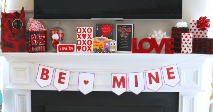 """Be Mine"" DIY Valentine Banner Free Printable for Valentine's Day"
