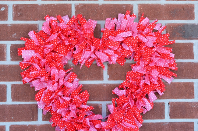 Valentine No Sew Fabric Wreath