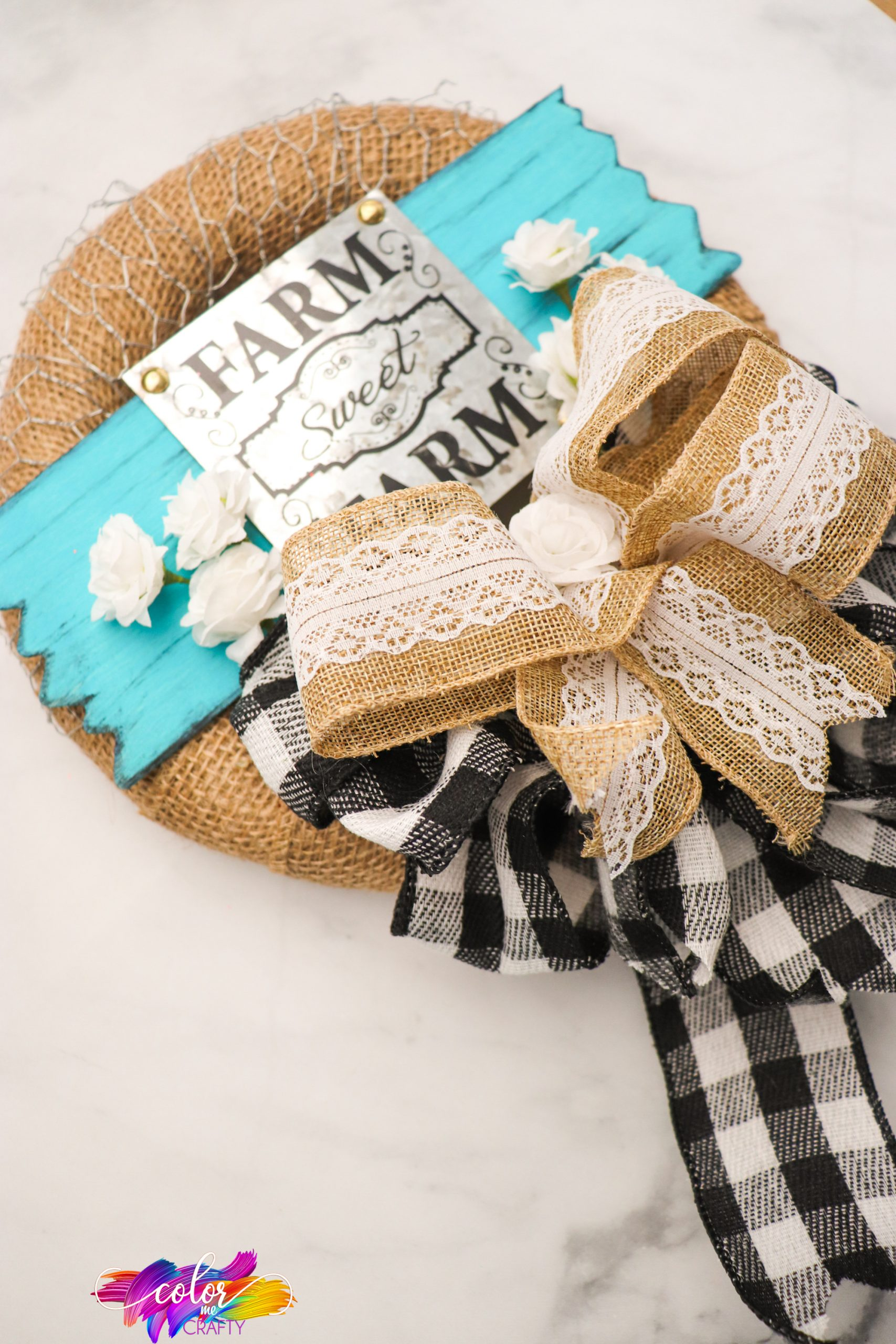 how to make a burlap and chicken wire farmhouse wreath for home decor
