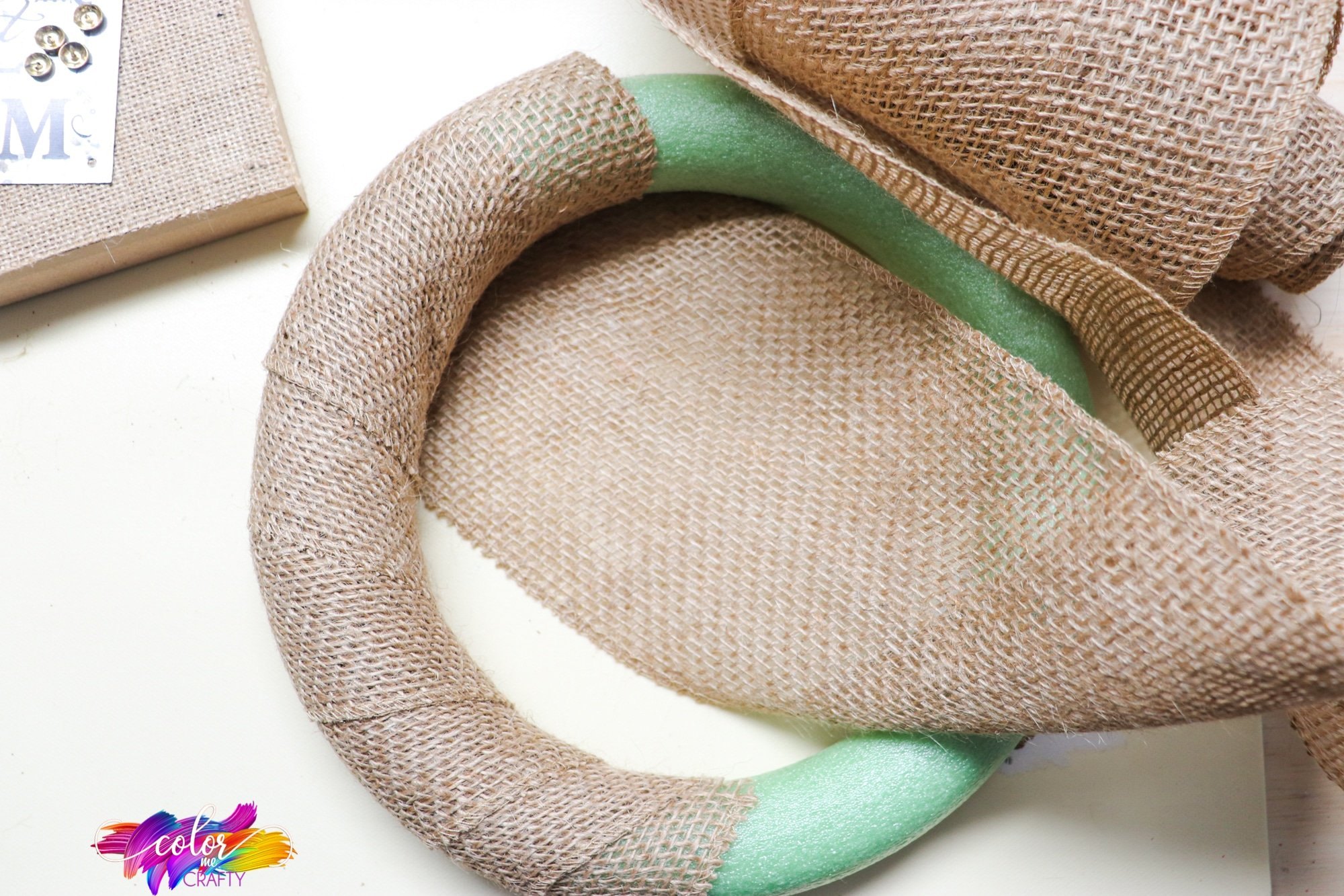 how to wrap burlap around a foam wreath form