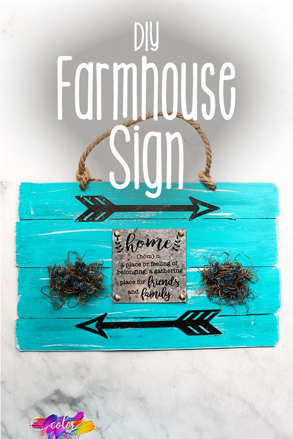 easy sign for farmhouse decor with text which reads diy farmhouse sign