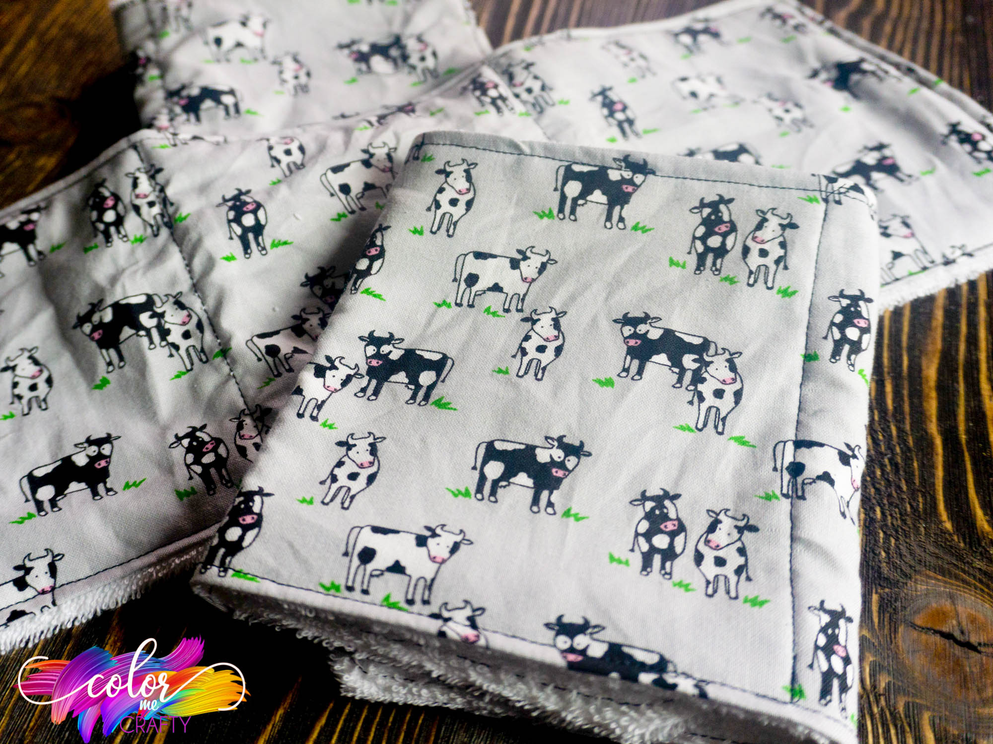 easy cricut baby project burp cloth