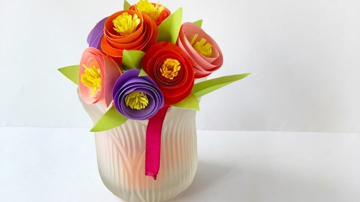 How To Make A Bouquet Out Of Construction Paper Flowers