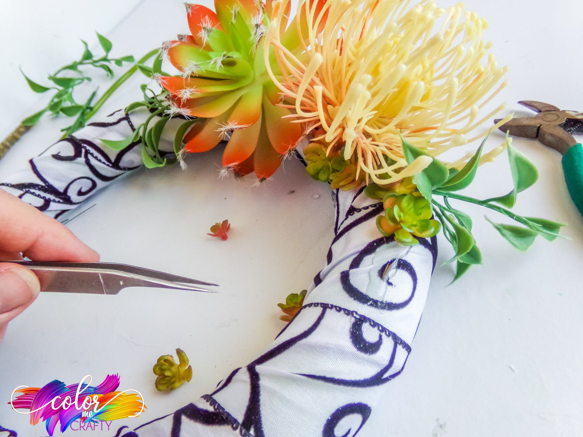 How To Make An Easy Succulent Wreath Color Me Crafty